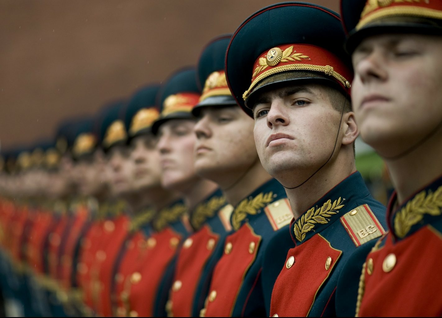 A Critique of Hybrid Warfare in the Light of Russia-Ukraine Crisis and Military Strategy